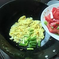 #就是红烧吃不腻!#薄荷叶番茄炒鸡蛋的做法图解3