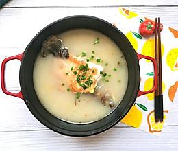 汤白味鲜的萝卜丝鲫鱼汤的做法