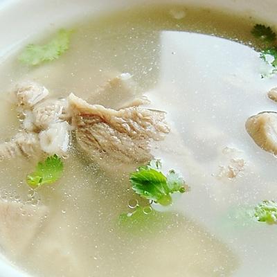 清炖羊肉汤