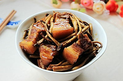 茶树菇五花肉