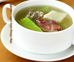 腊鹅排骨淮山汤的做法