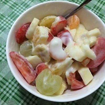减肥酸奶沙拉
