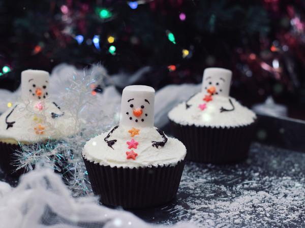 雪人杯蛋糕