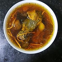 虫草花乌鸡炖汤