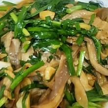 蘑菇炒韭菜