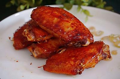 【泰式香茅烤鸡翅】外脆内嫩,多汁美味。