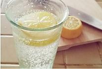 柠檬气泡水的做法