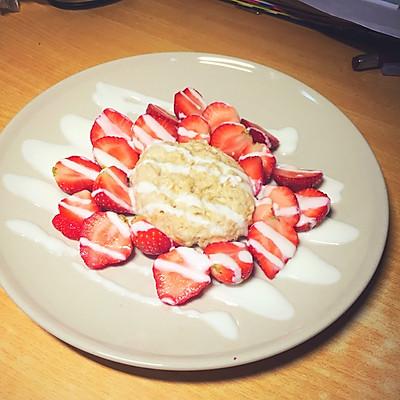 宿舍快手早餐 草莓燕麦