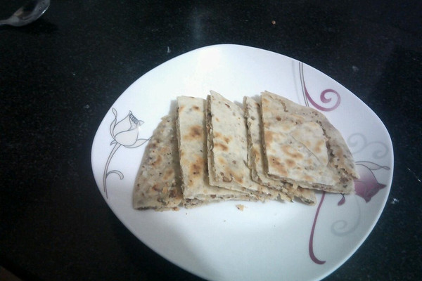 坚果腊肉考饼的做法