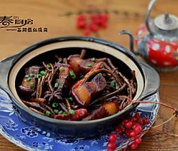 能打动心灵的食物——茶树菇红烧肉的做法