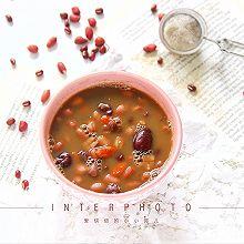 一碗能补气血的五红汤❗️生理期必喝的养生汤