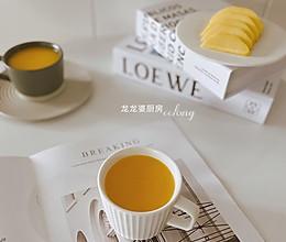 #入秋滋补正当时#香甜可口【胡萝卜玉米汁】的做法