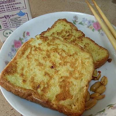 面包片与鸡蛋——简单的早餐亦或是甜点