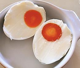 自制咸鸭蛋的配方把鸡蛋腌出了油的做法