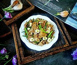 好吃又好做,快手蒜瓣炒豆皮#今天吃什么#的做法