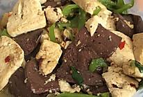 豆腐炖猪血的做法