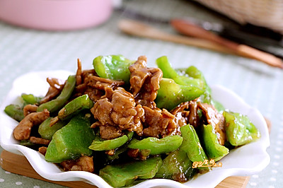 手掰青椒炒肉