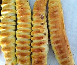 毛毛虫豆沙面包的做法