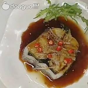 秘制酱汁蒸鳕鱼