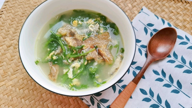 小黄鱼茼蒿汤的做法