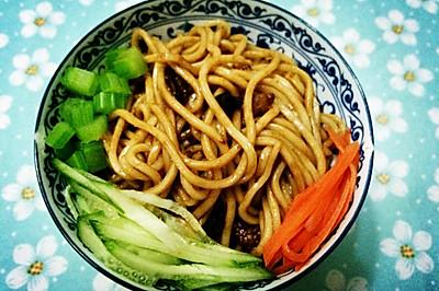 最家常的北京美食——老北京炸酱面(详细步骤版)