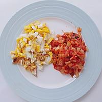 十分钟就能搞定的辣白菜炒饭的做法图解3