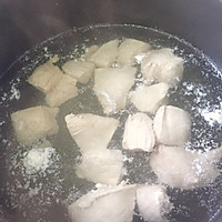 宝宝辅食:牛油果鸡肉泥(适合7个月以上的宝宝)的做法图解3