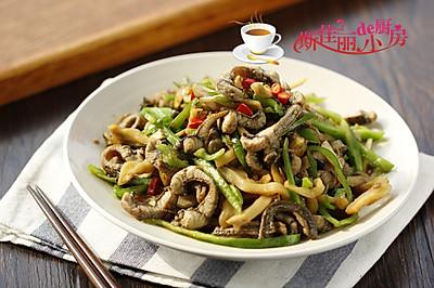 青椒榨菜炒鳝丝
