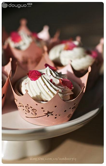 玫瑰花酱杯子蛋糕的做法