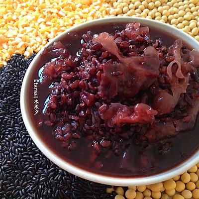 黑米银耳玉米粥(养生清油)