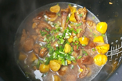 板栗鸡焖饭