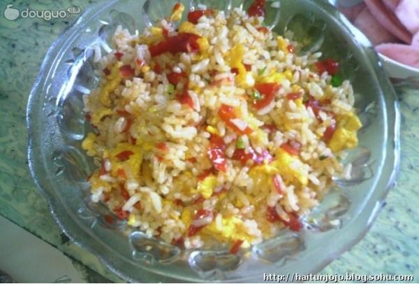 黔味出山——蛋炒饭的做法