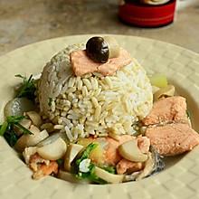燕麦饭配三文鱼蘑菇汤