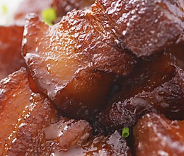 私房红烧肉:半煎半炸做红烧肉,竟一点不油腻!的做法