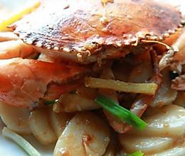 姜葱青蟹炒年糕的做法