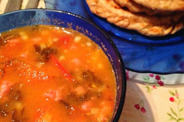 番茄紫菜汤+猪肉饼的做法