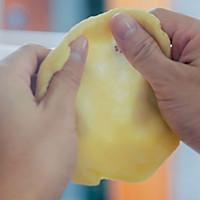 蛋黄酥的做法图解11