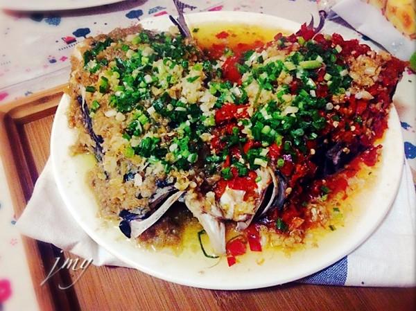 清蒸双色剁椒鱼头的做法