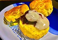 蓝莓酱加凝脂奶油司康饼的做法