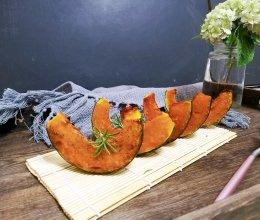 #秋天怎么吃#黑胡椒椒盐烤贝贝南瓜的做法