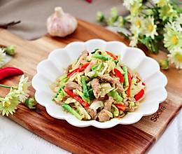 #我们约饭吧#梅花肉辣爆卷心菜的做法