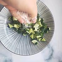 #快手又营养,我家的冬日必备菜品 #胡萝卜拌花生米的做法图解7