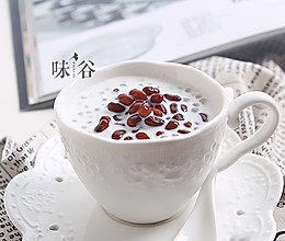 夏日甜品——红豆牛奶西米露的做法