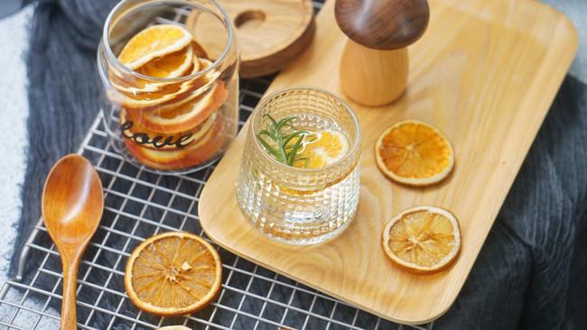 健康饮品|自制低温烘干橙子柠檬迷迭香饮#硬核菜谱制作人#的做法