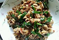 肥肠炒韭菜的做法