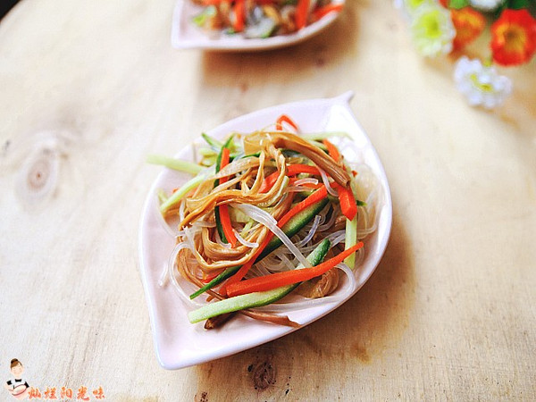 黄花菜拌粉丝的做法