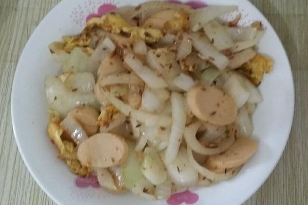 圆葱鸡蛋炒火腿肠便当的做法