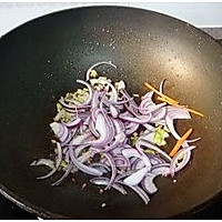 包菜胡萝卜炒面的做法图解12