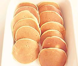 简单好做的香蕉松饼,零基础宝宝辅食菜谱的做法