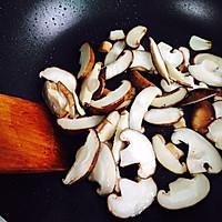#一人一道拿手菜#芦笋炒蘑菇的做法图解6